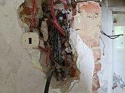 Elektroinstalace v objektu je částečně v hliníku.