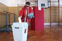 Volby v Lindavě na Českolipsku probíhají v tělocvičně místní mateřské školy.
