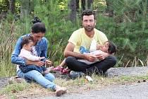 Syrská rodina v Jezové. Jedni z mnoha uprchlíků, kteří v těchto týdnech našli azyl v uprchlickém táboře.