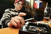 Přestat kouřit. Jedno z nejčastějších novoročních předsevzetí.