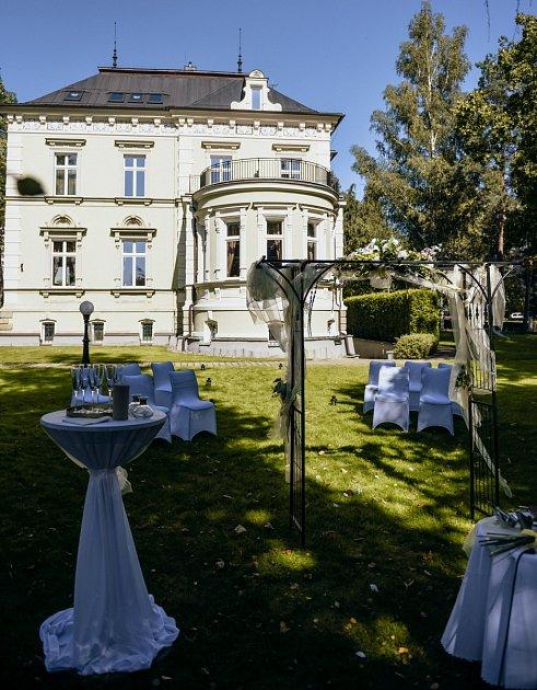 Českolipskou secesní vilu vloňském roce zvolilo hodně zamilovaných párů jako místo pro svatbu.