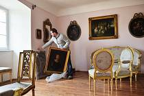 Vladimír Trégl připravuje novou expozici. Otevře se 1. června.