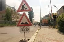 Frézováním silnice začala v Novém Boru kompletní rekonstrukce ulice Bedřicha Egermanna.