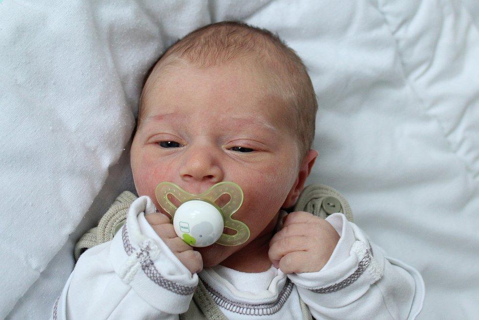 Rodičům Marii Buldrové a Lukáši Fidrhelovi z Dobranova se v neděli 10. listopadu ve 13:12 hodin narodil syn Dominik Fidrhel. Měřil 50 cm a vážil 3,30 kg.