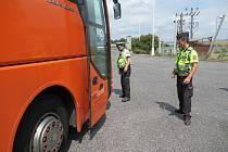 Během uplynulého víkendu se v Libereckém kraji uskutečnila dopravně bezpečnostní akce zaměřená na kontroly autobusů a nákladních vozidel.