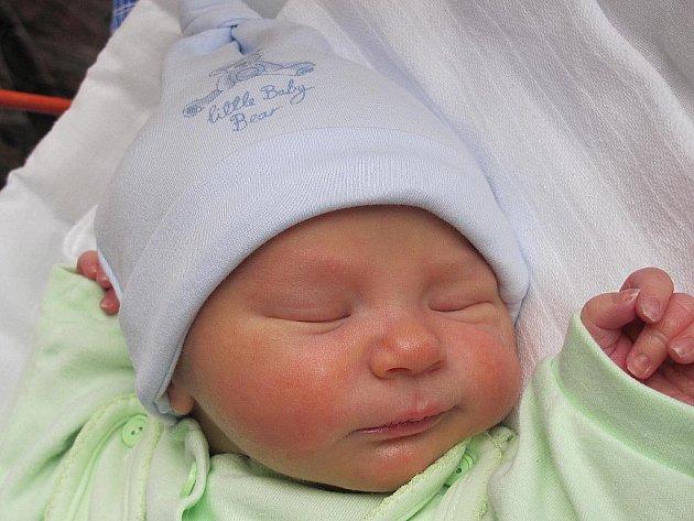 Mamince Anně Jančoškové z České Lípy se 18. září v 10:19 hodin narodil syn Martin Řehořek. Měřil 51 cm a vážil 3,55 kg.