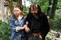 Prvním dokumentem novoborské zastávky festivalu bude snímek Davida Vondráčka o bezdomovcích Láska v hrobě.