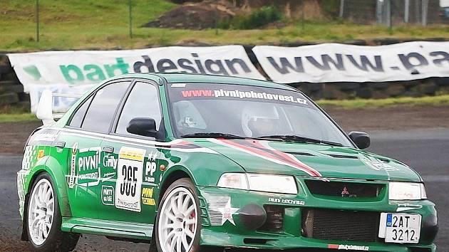 Třetí závod série MOGUL driving cupu na autodromu v Sosnové přinesl pěkné souboje.