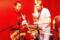 Skupina Obří broskev, která zahrála v českolipském Progresu, své fanoušky nezklamala.