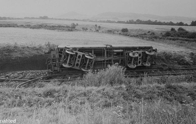 """24. srpna 1975ujelo ze stanice Mlýny patnáct vagónů suhlím. Obří kolos se snažil zastavit strojvedoucí """"pomocné"""" lokomotivy Milan Šulc."""