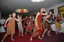 Děti tančí v afrických rytmech