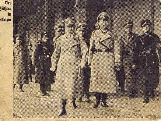 15 Březen 1939 Photo: 15. Březen 1939: Vyhlásit Protektorát Jel Hitler Na Hrad Z