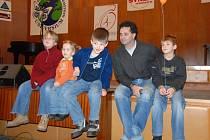 Martin Dejdar s dětmi
