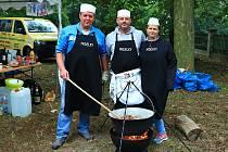 V Zahrádkách se soutěžilo ve vaření kotlíkových zvěřinových gulášů.