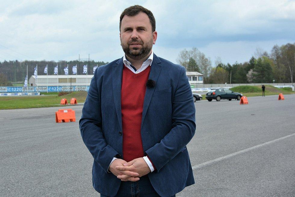 Projekt Start Driving na Autodromu v Sosnové.