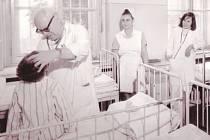 Primář Karel Vlasák zasvětil svůj odborný život léčbě nejmenších pacientů.