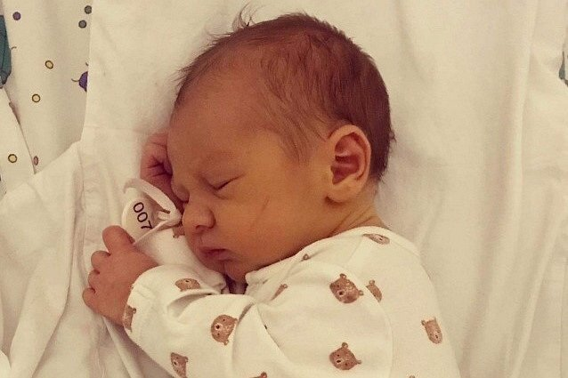 Rodičům Natalii Skvarokové a Matyáši Sýkorovi z Třeboutic se ve čtvrtek 15. října v 0:03 hodin narodil syn Mathyas Sýkora. Měřil 53 cm a vážil 3,31 kg.