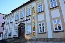 Sklářské muzeum v Novém Boru, kontaktní místo pro účastníky 14. Mezinárodního sklářského sympozia (IGS).