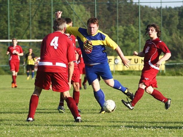 Letos poprvé se neuskuteční fotbalový pohár. Mezi kluby byl velice malý zájem o účast. Letos v červnu se z vítězství v poháru radovala rezerva Jiskry Mimoň.