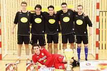 Amatérské mistrovství ČR ve futsalu vyvrcholilo v České Lípě triumfem pražského klubu Borussia Predators.