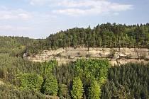 Stohánek - pohled z vrcholu na část panorama Dlouhého kamene.