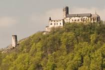 Státní hrad Bezděz patří mezi nejvyhledávanější cíle turistů v Libereckém kraji.