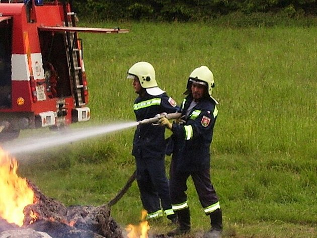 Před dvěma lety se obnovil Sbor dobrovolných hasičů na Bezdězu.