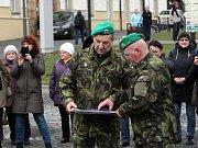 Na oplátku si armáda také něco připravila...