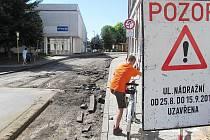 V Zákupech začala dlouho očekávaná oprava Nádražní ulice.