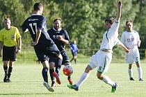 Až penaltový rozstřel rozhodl o tom, že dva body z utkání Nový Bor – Suchdol získají domácí hráči (bílé dresy). V normální hrací době byl výsledek 1:1.