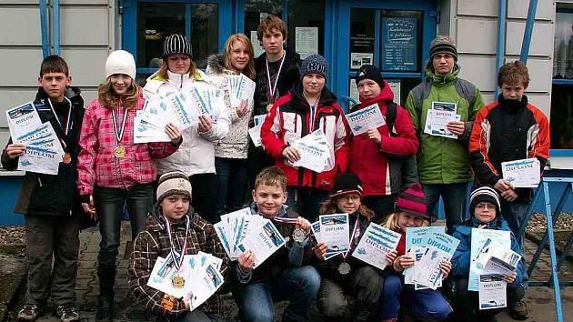 Medailové hody. Šestasedmdesát cenných kovů vybojovali mladí českolipští plavci na závodech v Rumburku.