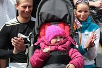 Štafeta pro Růženku přilákala v pátek na českolipský stadion kolem pěti set lidí.
