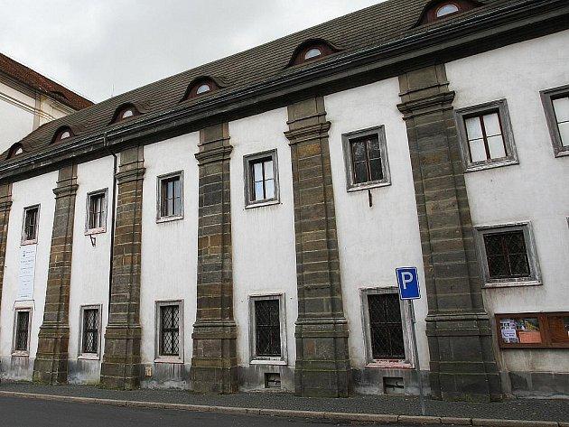 Vlastivědné muzeum a galerie Česká Lípa.