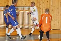 V českolipském derby mezi Mapou a Démony po celé utkání dominovali hosté a odvezli si výhru 14:3.  Mašek s Urbanem nedokázali zastavit akci Antoše a ten překonává gólmana Javůrka poosmé.