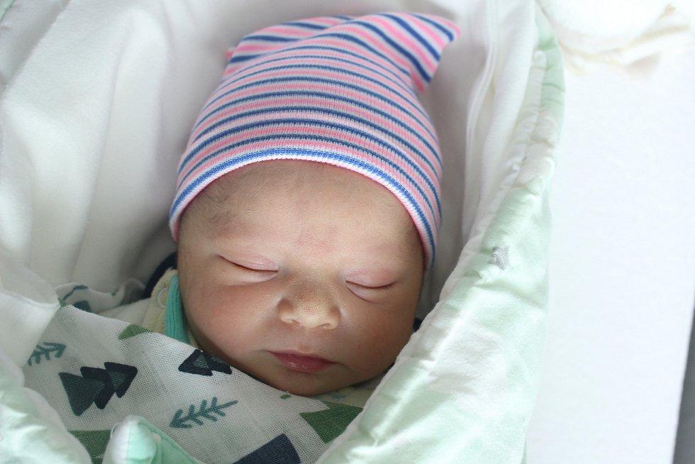 Rodičům Kristýně Streicherové a Štefanu Seresovi z Doks se ve čtvrtek 4. června ve 13:32 hodin narodil syn Matteo Seres. Měřil 50 cm a vážil 3,23 kg.