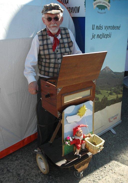 Jarmark, hudba, zvířata i dílny pro šikovné ruce. Tak to vypadalo od sobotního rána v areálu Lesní zátiší v Brništi.