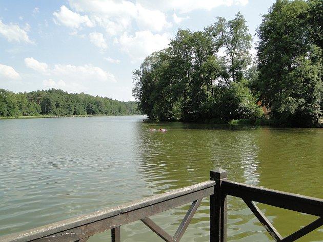 Hradčanský rybník se dočká opravy za více než 30 milionů korun.