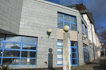 Město Česká Lípa intenzivně pracuje na zprovoznění budovy bývalé České pojišťovny pro potřeby městského úřadu.