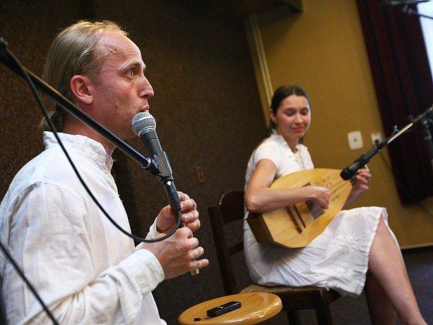 Hudební festival Baraban 2012odstartoval řadou vystoupení už vpátek.