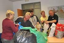 Ošacení z jarní sbírky putovalo k sociálně potřebným nejen z České Lípy, ale také z Nového Boru a dalších obcí.