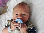 Rodičům Jaroslavě a Martinovi Jechovým z Dolních Habartic se v úterý 3. října narodil syn Matyáš Jech. Měřil 50 cm a vážil 3,25 kg.