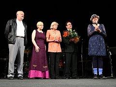 Cenu Ď Nového Boru získala farářka Eliška Raymanová (vpravo).