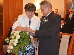 Manželé Musilovi z Hrubého Jeseníku oslavili v Novém Boru zlatou svatbu.