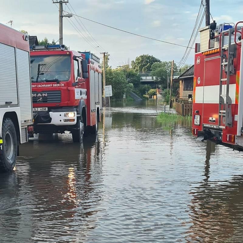 Celkový náhled situace v evakuovaném Dobranově a Písečné.