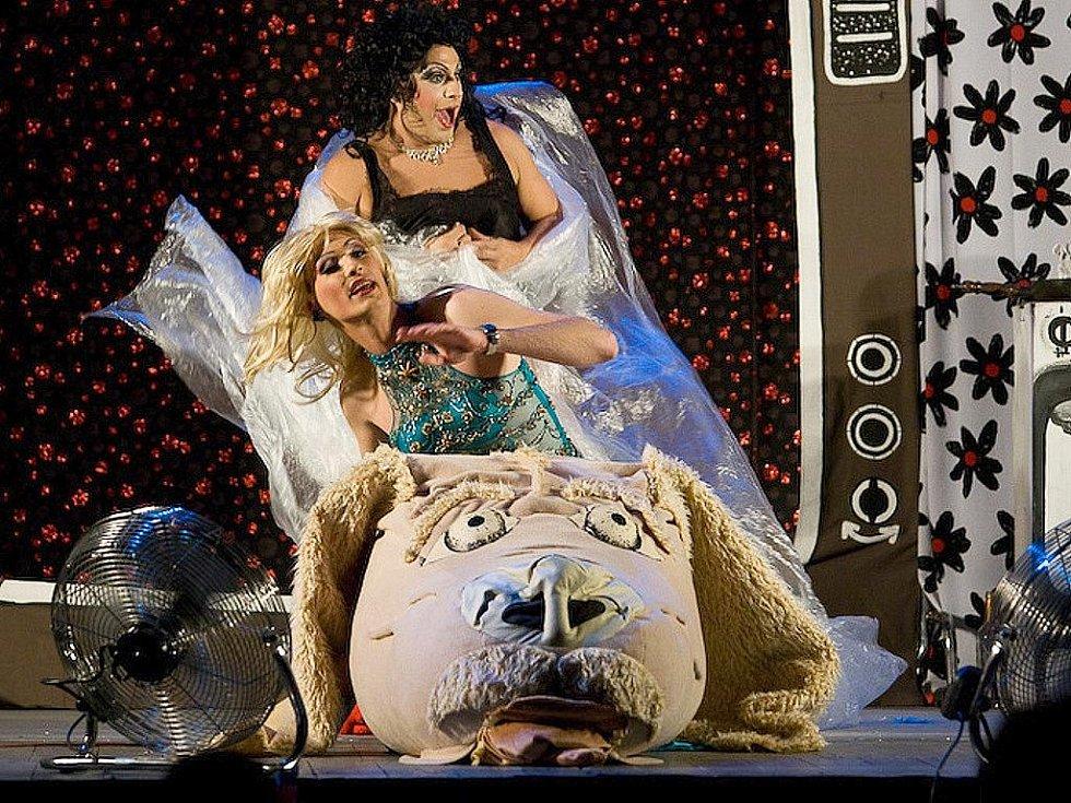 Skupina Scandal ladies vystoupila v českolipském Crystalu již po několikáté a opět sklidila úspěch.