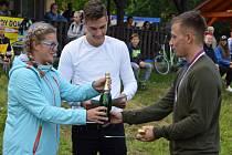 Šestého ročníku fotbalového turnaje v Oknech se zúčastnila desítka mužstev. Závěrečného ceremoniálu se zhostil fotbalový reprezentant Patrik Schick.