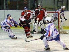 Hokejisté HC Děčín porazili Českou Lípu 3:0 a slaví jistotu vyřazovacích bojů.