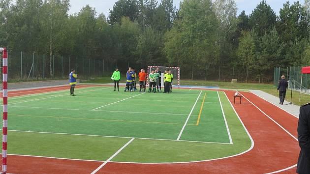 Otevření nového sportoviště pro hasiče.