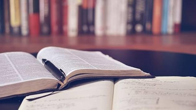 Kniha ilustrační foto