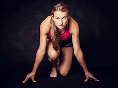 Když atletka Barbora Procházková není na trati, ráda tráví volný čas se svou rodinou a se svým přítelem.